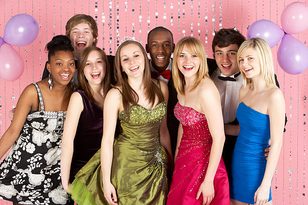 Northern Queens Precincts to host Prom Dress Drive
